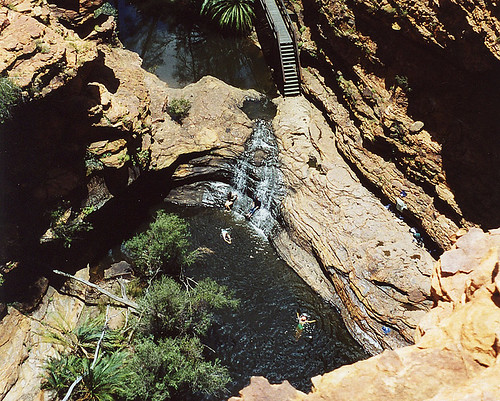 Kings Canyon (Watarrka National Park) aneb Ve skalách rudého australského středu