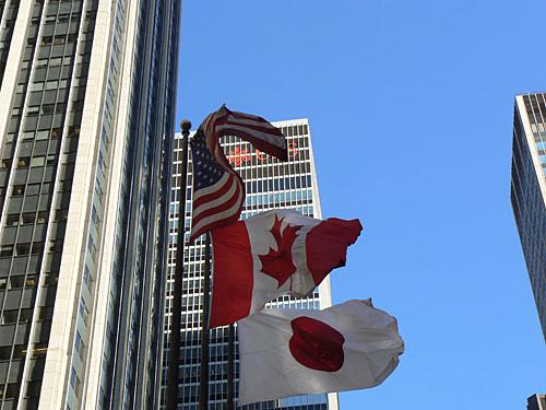 trois drapeaux.jpg