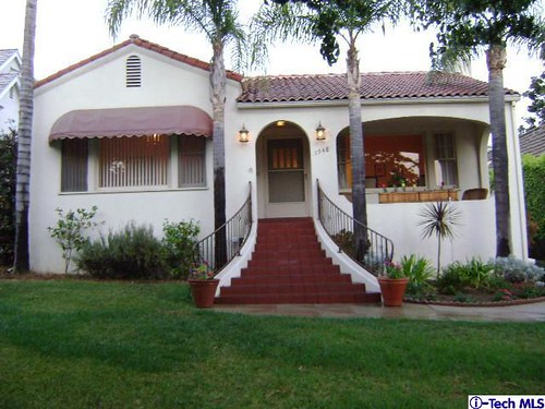 Four Architectural Styles that Dominate Southern California ... on dormer house plans designs, dormer windows inside house, dormer window seat design, mansard roof house design, shed dormer design, dormer pitched roof design,