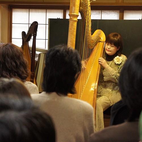 本多先生の演奏が始まりました。素晴らしい音色。