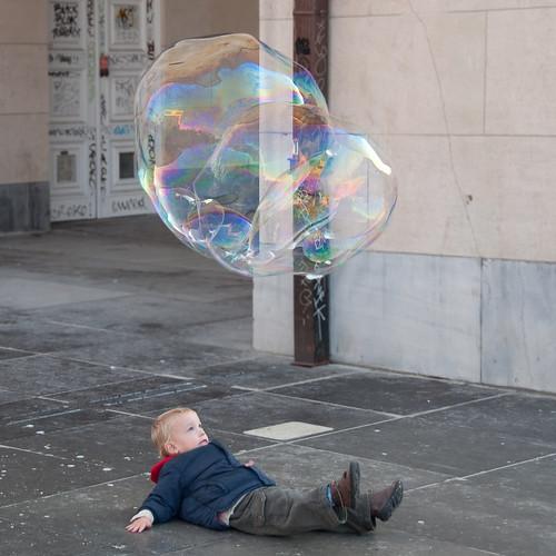 Gare à la bulle !