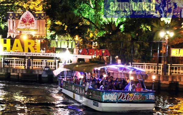 Ketibaan bot penumpang Melaka RIver Cruise