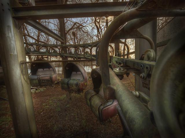 abandoned theme park  ::  ( explore )
