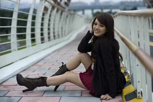 [フリー画像素材] 人物, 女性 - アジア, 台湾人, 女性 - 座る ID:201112142200