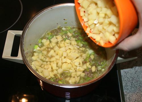 21 - Kartoffelwürfel rein