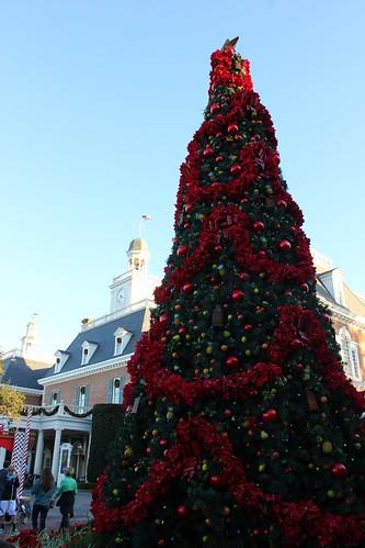 Christmas tree in American Adventure