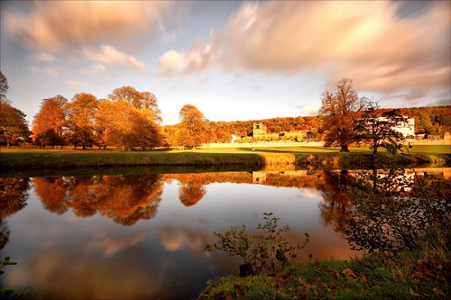 park uk november blue autumn trees light england sky house reflection tree green water gardens clouds canon river eos golden movement europe long exposure britain district derwent derbyshire great sigma peak filter national hour nd mansion picnik chatsworth 10stop 450d