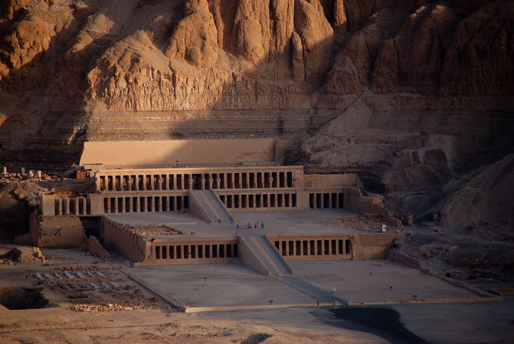 Temple of Hatshepsut seen from hot air balloon