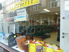 wasserettes/ laundromats