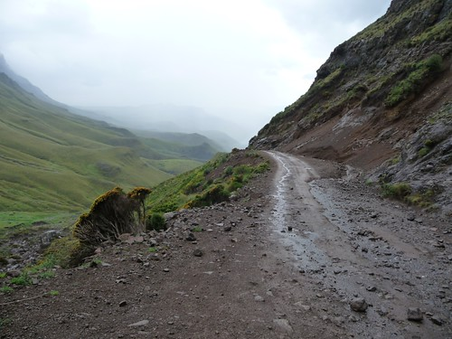 Cycling Sani pass (9)
