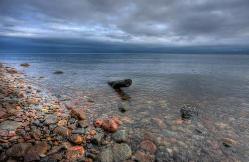 sea sky nature water clouds canon landscape eos stones poland polska natura baltic efs hdr 1022 woda przyroda marcin gdynia orłowo morze chmury niebo kamienie krajobraz bałtyckie 40d colorphotoaward gawronski