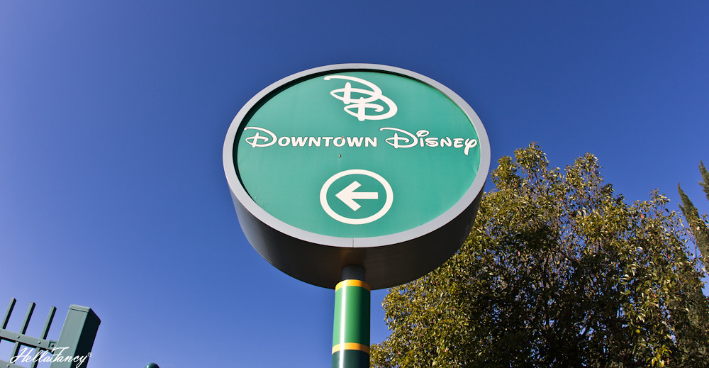 downtowndisneysign