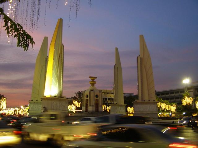 民主紀念碑