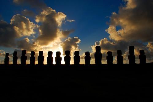 chile sunset sunrise island southpacific moai easterisland rapanui isladepascua ahutongariki platinumheartaward miguelyn saariysqualitypictures bestcapturesaoi elitegalleryaoi dblringexcellence tplringexcellence eltringexcellence