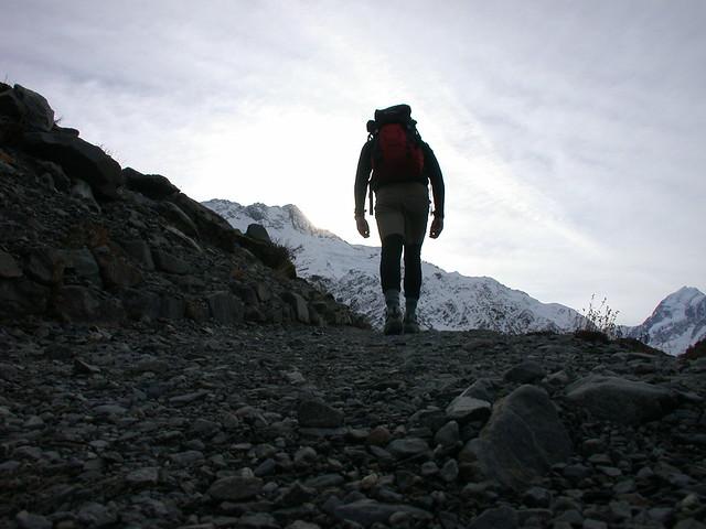 Faire son sac à dos de voyage et partir en randonnée - photo de TrueNewZeland