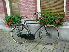 Herenfiets (traditional gents roadster, v�lo homme traditionnel), Amsterdam, Elisabeth Wolffstraat, 08-2011
