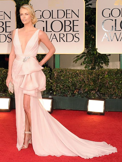 Charlize-Theron-in-Dior-Couture-at-Golden-Globes-2012