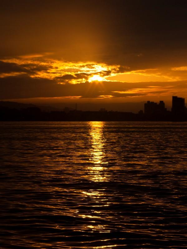 淡水-金色之路