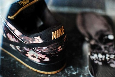 Nike-SB-x-Pushead-Dunk-Low-Sneakers-8 400x267