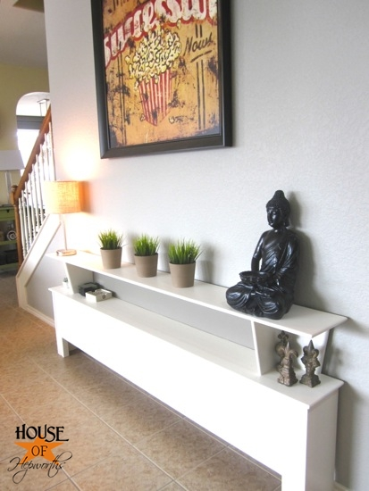 sofa_table_wall_living_room_hoh_10