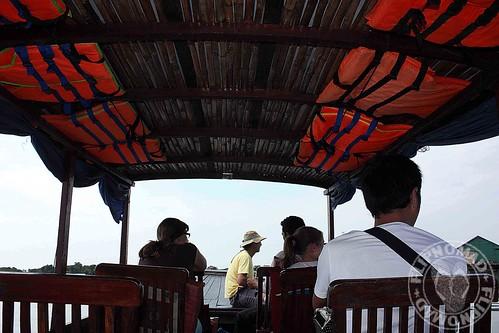 kompong khleang with tara boat