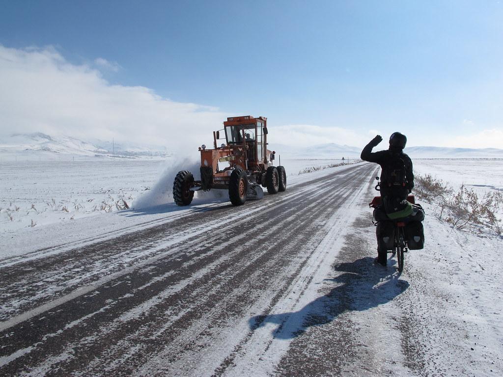 Pedalant cap a la frontera (Kurdistan turc))
