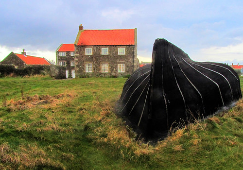 Currach and house