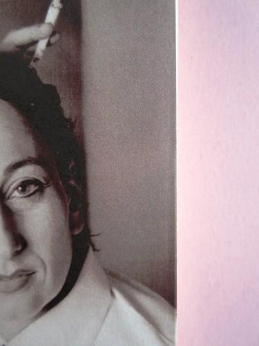 Mario Fortunato. Le voci di Berlino. Bompiani 2014. Progetto grafico: Polystudio; copertina: Carla Moroni; alla cop.: M. Weigel e U.M. Lene: @ H. Wilms; ritr. fotg. b/n dell'autore: @R. Bianchi. Prima di sovracoperta. (part.), 4