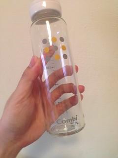 活動贈品禮袋裡送的玻璃奶瓶@Combi御捷輪III手推車2014新品上市體驗會