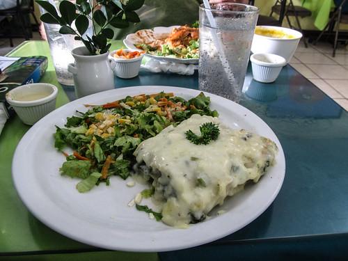 San José: une soupe de carootes, un jus de sauge, une lasagne aux épinards et une au poulet