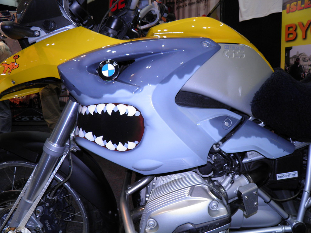 bmw r1200 gs shark head airbrush - a photo on flickriver