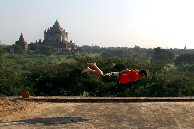 Volando en Bagan