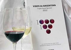 Los 100 mejores vinos en un libro