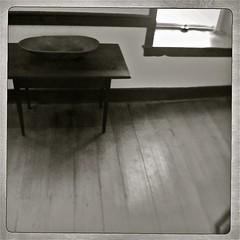 shelf(0.0), sideboard(0.0), sink(0.0), floor(1.0), furniture(1.0), wood(1.0), coffee table(1.0), table(1.0), flooring(1.0),