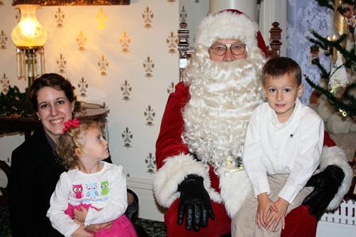 Family-Santa-pic