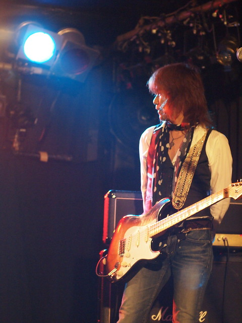 Dannie B. Good live at ShowBoat, Tokyo, 03 Dec 2011. 331