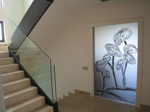 Sabri decoradora decora tus puertas - Pintar cristales de puertas ...