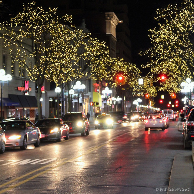 Dressed In Holiday Style Main St Ann Arbor Michigan Flickr Photo Sharing