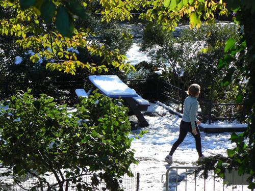 pique-nique sous la neige et jogger.jpg