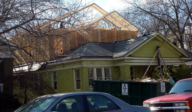 P1030376-2011-12-23--933 Highland-View-NE-Poptop-WIP-Roof-Framing-detail