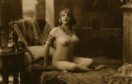 Старинные фото женщин ню
