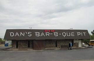 Dan's Bar-B-Que Pit