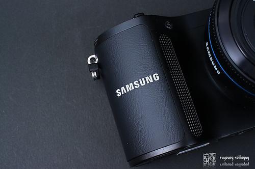 Samsung_NX200_exterior_04