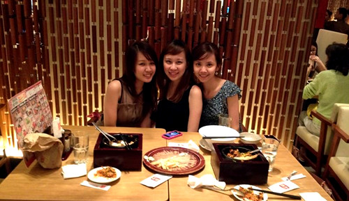 Christmas with Cindy & Tricia - Watami