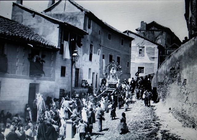 Procesión de la Virgen de la Esperanza en San Cipriano a comienzos del siglo XX