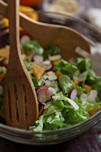 tossed lettuce and orange salad