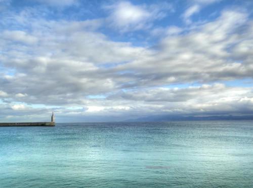 Vista del Estrecho de Gibraltar desde Tarifa, con Marruecos al fondo by Clickor