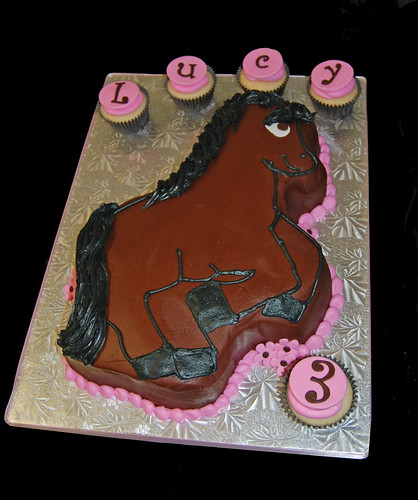 3rd birthday horse cake for a cowgirl party