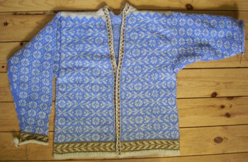 Natasha's cardigan in progress by Asplund