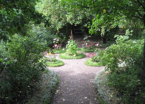 611 Runebergin puutarha by Anna Amnell